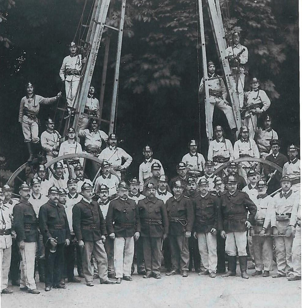 historische Holzschiebeleiter (2)